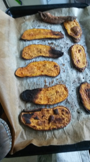 Sweet potato toast, got a bit burnt, but it was yummy. Seaoned them with smoked tea and salt.