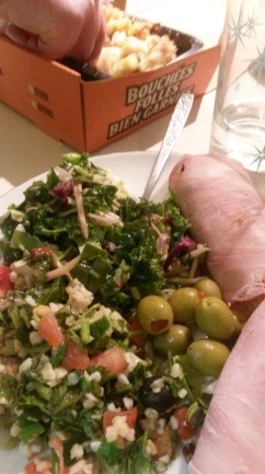 The bulgar salad was yummy.