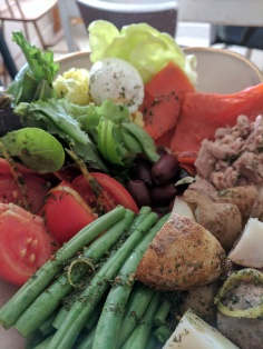 Nicoise salad, so pretty, so healthy